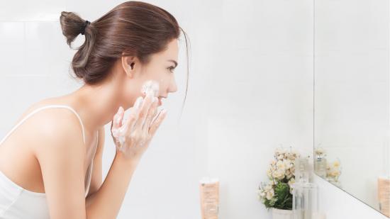 Kako prati kožu lica?